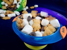Make S'more Snack mix with three easy and fun ingredients. This is a great way to introduce preschoolers to measuring and mixing.