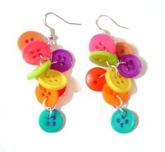 Bet you've heard the saying button it several times, usually from your elders...this time i'm telling you to button it, but only to create cute summer earrings!
