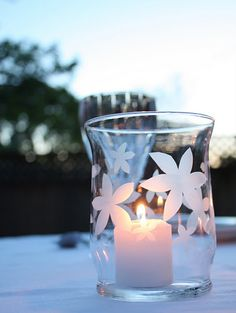 DIY Home Decor Projects for Summer - Color My Summer White Etched Glass - Creative Summery Ideas for Table, Kitchen, Wall Art and Indoor Decor for Summer Glass Kitchen Tables, Glass Table, Dremel, Summer Crafts, Crafts For Kids, Glass Etching, Etched Glass, Summer Wedding Centerpieces, Diy Centerpieces