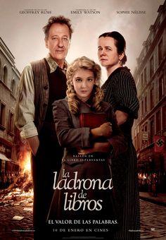 """""""A Menina que Roubava Livros"""" teve divulgado um novo pôster http://cinemabh.com/imagens/a-menina-que-roubava-livros-teve-divulgado-um-novo-poster"""