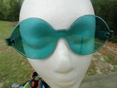 VTG 1970s Retro Groovy MOD Green LUCITE SUNGLASSES Funky Made in France NOS