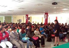 Sostiene Aurora Aguilar platica con estudiantes de la UPT
