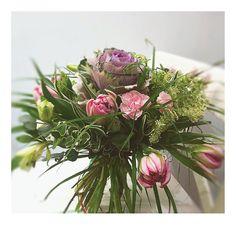 bukiet kapuściany. ogrodowo-warzywny: w różu i fiolecie, z tulipanem i goździkiem
