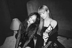 one of the best manip👏 #blackpink #jenlisa #jennie #lisa © owner Jisoo Do Blackpink, Blackpink Jisoo, Divas, Kim Jennie, South Korean Girls, Korean Girl Groups, Girls Generation, Super Junior, Got7