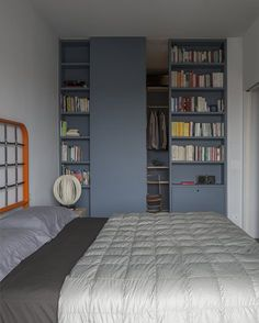 #DiegoGrandi redesigned the last floor of an #apartment complex of the #20s following a personal aestethic language #bedroom