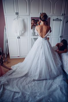 My wedding dress preparations for the ceremony
