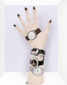 Photo by David Newton. Watches Photography, Jewelry Photography, Fashion Photography, Photo Jewelry, Fashion Jewelry, Still Life Pictures, Jewelry Editorial, Jewelry Design, Set Design
