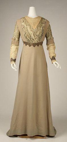 Visiting dress     ca 1903    Paris