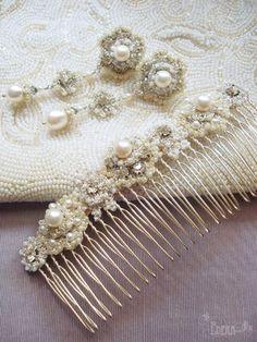 silver-white-earrings-comb-bridal-jewelry-set-lace-pearls-rhinestones-1.jpg