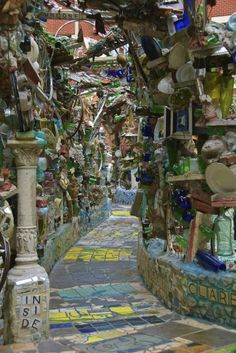 If you ever get to  philadelphia's  You've have got to check out the magic gardens!!