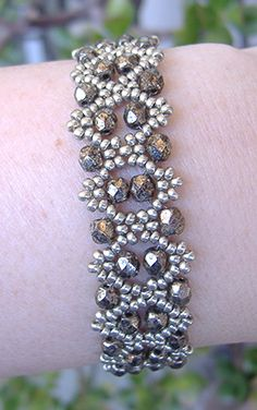 Bobble Bangles - - Bobble Bangles add a snap to leather Bobble Bangles pattern at AroundTheBeadingT… Beaded Braclets, Beaded Bracelet Patterns, Seed Bead Bracelets, Jewelry Bracelets, Bead Jewellery, Seed Bead Jewelry, Handmade Beaded Jewelry, Handmade Bracelets, Diy Collier