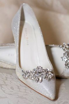 hochzeitsschuhe vintage hochzeitsschuhe vintage I 6 COLOR PLATA f ACERO Neue Kollektion freyaroseshoes 2016 - Pretty Shoes, Beautiful Shoes, Beautiful Dresses, Maskerade Outfit, Silver Wedding Shoes, Bling Wedding, Wedding Bride, Lace Wedding, Light Wedding