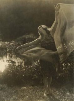 Dancer, by Imogen Cunningham, c.1910