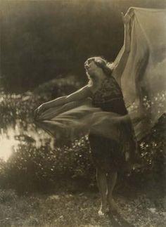 Dancer, by Imogen Cunningham, c.1910