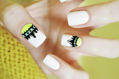 Odette Swan Blog |: 104. Crown nail art + tutorial | Korona na paznockiach