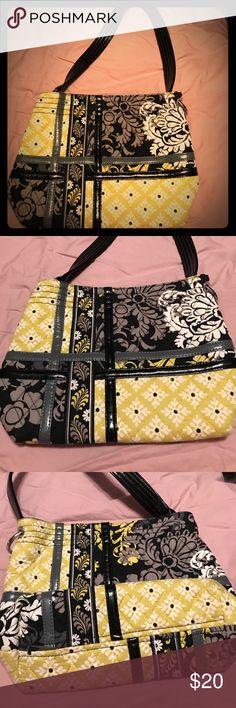 Vera Bradley Tote Sweet Baroque Vera Bradley Tote sweet in baroque print.  Good used condition. Vera Bradley Bags Shoulder Bags