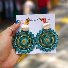 Mandala Jewelry, Bead Jewellery, Wire Jewelry, Bridal Jewelry, Beaded Jewelry, Crochet Earrings Pattern, Crochet Beaded Bracelets, Round Earrings, Beaded Earrings