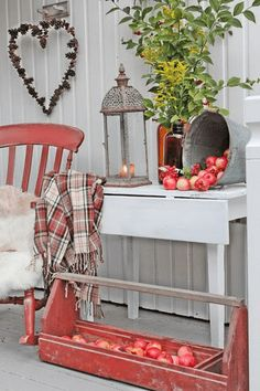 Fall ideas: Apples for the harvest season, a comfy chair with a cushion and a cover, and a lamp for the evening comes early VIBEKE DESIGN Patio Interior, Interior Exterior, Country Decor, Farmhouse Decor, Farmhouse Style, Cottage Farmhouse, Deco Champetre, Vibeke Design, Building A Porch