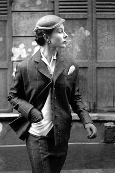 Photo by Georges Dambier, March 1953, Bettina is wearing a vest under a plaid piqué suit by Manguin, Elle.