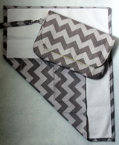 Diaper clutch and changing pad - I want one!