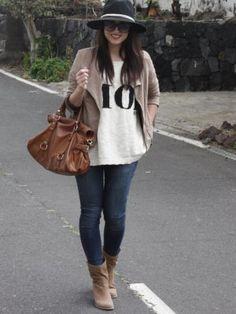 andtrendydreams Outfit punto cazadora flecos oversized botines Jeans camel  jersey sombrero crema sweater Primavera 2013. 72bf355e45d