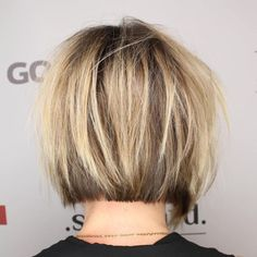 Chic Short Bob Haircuts for Bob hairstyles are increasingly being loved by many women all over the world. Short Layered Haircuts, Bob Hairstyles For Fine Hair, Haircuts For Fine Hair, Layered Hairstyles, Stylish Hairstyles, Amazing Hairstyles, Short Hair With Layers, Short Hair Cuts, Short Hair Styles