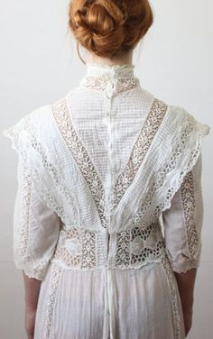 Antique dress - lace wedding dress antique dress lace wedding dress by on Etsy Edwardian Dress, Edwardian Fashion, Vintage Fashion, Edwardian Era, Moda Vintage, Vintage Mode, Vintage Outfits, Vintage Dresses, Style Édouardien
