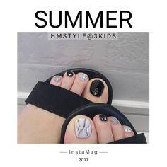 いいね!122件、コメント3件 ― Hitomiさん(@hmstyle.2)のInstagramアカウント: 「久しぶりのフットネイル.*・゚ 夏っぽくしようと思ったら材料不足でとりあえずこれ(*Ü*) #フットネイル#夏ネイル#セルフネイル#シンプルネイル#ネイル2017」