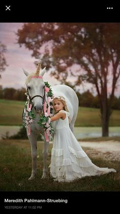 Unicorn and Pony Photos for Children Horse Girl Photography, Children Photography, Beautiful Children, Beautiful Horses, Cute Kids, Cute Babies, Unicorn Pictures, Unicorn Pics, Horse Costumes