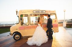 Sweet vintage look. Food truck at a wedding.  Great idea.