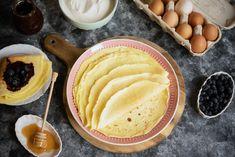 Zastanawiasz się jak zrobić naleśniki? Wypróbuj ten przepis na naleśniki, który jest bardzo prosty, a jego przygotowanie zajmuje jedynie kilka chwil... Nutella, Feta, Pancakes, Pie, Breakfast, Ethnic Recipes, Cooking Recipes, Kochen, Torte