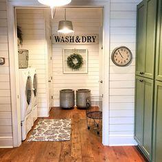 55 Small Farmhouse Laundry Room Decor Ideas - Home Fashions Laundry Room Cabinets, Laundry In Bathroom, Farmhouse Laundry Rooms, Vintage Laundry Rooms, Farmhouse Decor, Country Farmhouse, Farmhouse Flooring, Farmhouse Ideas, Farmhouse Remodel