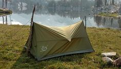 Super fast and easy set up! Great for hiking, camping, or adding to your survival bag, this compact tent will fit into your backpack without filling it up. Great one-person and gear tent or two-person tent without gear. Backpacking Tips, Ultralight Backpacking, Hammock Tarp, Two Person Tent, Instant Tent, Camping Equipment, Trekking, Outdoor Gear, Survival