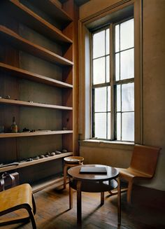 Early pieces by Alvar Aalto. Donald Judd´s library, New York. Source: Design…