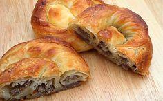 Öğrencilik günlerimizin yegane hızlı kahvaltı seçimi: kıymalı börek!