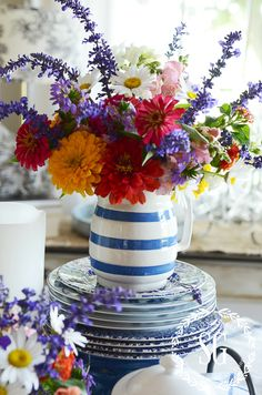 ADDING BLUE AND WHITE TO ANY DECOR