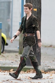 GGUUYYSS!!! He's sooo hot  OMG!! Peter Pan, take me to Neverland