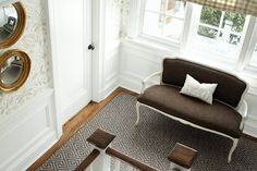 Beautiful wallpaper, fresh white wainscot, love the greek key carpet