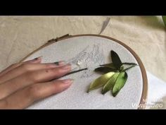 Wonderful Ribbon Embroidery Flowers by Hand Ideas. Enchanting Ribbon Embroidery Flowers by Hand Ideas. Ribbon Embroidery Tutorial, Silk Ribbon Embroidery, Embroidery Stitches, Embroidery Patterns, Embroidery Supplies, Embroidery Thread, Ribbon Art, Diy Ribbon, Embroidery Techniques