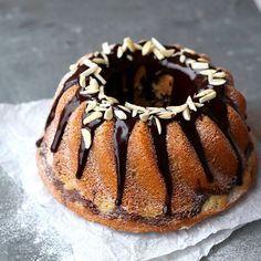 Chocolade, sinaasappel, amandel en cointreau. En dat samen in een tulband ❤️Deze ga ik bakken met de kerst. Wil jij dat ook? Check nu het recept op mijn blog, link in profiel. #kerst #kerstbakken #hhb #tulband #marmertulband #cake #marmercake #kerstkoken #chocolate #chocolade #sinaasappel #orange #amandel #almond #marblecake #f52grams #culynl #feedfeed #instafood #instafoodie #foodstagram #foodblogger #foodoftheday #foodoninstagram #goodfood