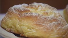 Vaníliás csiga Hungarian Recipes, Croissant, Feta, Bread, Brot, Crescent Roll, Baking, Breads, Crescent Rolls