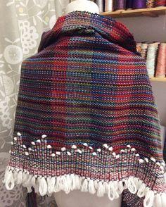 可愛いのができたので、うちのボディに羽織ってもらいましたヽ(´▽`)/ #さをり織り #さをり #ストール #ショール