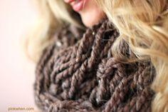 Arm knitting infinity scarf - video tutorial