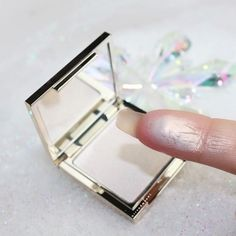 We have a date!!!!!! 🏼🏼@jouercosmetics NEW #Highlighter From the #Holidays2016 #Collection ️#Ice (Mini size) – Icy Holographic Pearl $19 #LimitedEdition Will be available ️ December 19th @ 11am PST on their website *Use code: TRENDMOOD for 15% OFF #ByeByeMoney Is this baby on your list? #TRENDMOOD #jouer #jouercosmetics #lipstick #lips #lip #lotd #ilovemakeup #mua #makeupaddict #makeupmafia #makeupjunkie #makeupobsessed #instabeauty   TrendMood