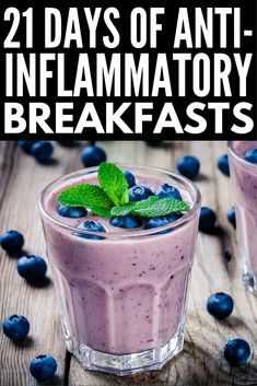 21 Day Anti Inflammatory Diet for Beginners Looking for an anti-inflammatory meal plan to help boost your immune system and keep your autoimmune disease under control while also helping you to lose weight? We've put together a meal plan for begin Anti Inflammatory Smoothie, Anti Inflammatory Recipes, Anti Bloat Smoothie, Smoothie Diet, Healthy Blueberry Smoothie, Turmeric Smoothie, Smoothie Recipes, 21 Day Meal Plan, Diet Meal Plans