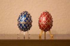 Tutorial Part 2 of Beaded Faberge egg / Пасхальное яйцо из бисера Boys Easter Basket, Easter Specials, Diy Christmas Ornaments, Sequin Ornaments, Egg Carton Crafts, Easter Egg Crafts, Grenade, Diy Ostern, Faberge Eggs