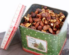 Nut Recipes, Dog Food Recipes, Healthy Recipes, Christmas Treats, Christmas Baking, Yummy Snacks, Yummy Food, Food Gifts, Granola