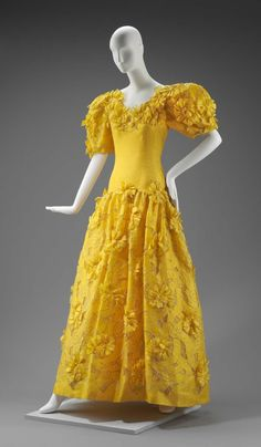 Spring 1985, America - Woman's evening dress by Arnold Scaasi - Silk damask; silk plain weave (organza); silk plain weave; metallic embroidery; silk tulle; plastic