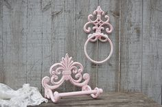 Shabby chic cast iron bath tissue or toilet paper holder and towel ring. Hand painted in soft pink, lightly distressed and finished with a Pink Bathroom Paint, Pink Bathroom Vintage, Bathroom Sets, Shabby Chic Baby Shower, Shabby Chic Pink, Shabby Chic Decor, Vintage Decor, Shabby Chic Living Room, Shabby Chic Kitchen