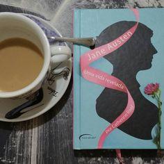 """""""Acredito que todos possuem o direito de se casar por amor uma vez na vida se tiverem a oportunidade."""" Jane Austen  Trecho de carta escrita em 1808  Café em boa companhia café com letras. Ler escutando o barulho da chuva é uma delícia.  @OlhardeMahel #JaneAusten #adoteumahistória #livro #biografia #CatherineReef #leitura #leitores #literatura #cafécomletras #café #loucosporlivros #caféecompanhia #OlhardeMahel #adoroler #ppalavra #book #biography #coffee #coffeeandcompany #coffeeandbooks…"""